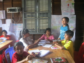 Youth team teaches English to weaker students
