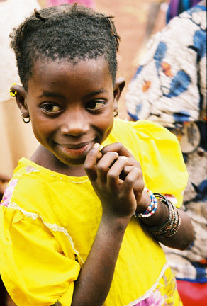 Girl helped by the Ouelessebougou Alliance