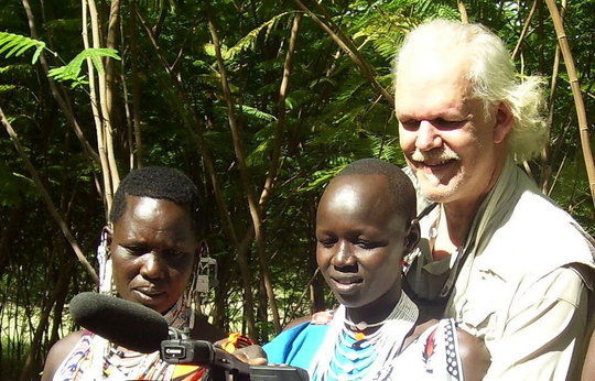 SOPRANOS ACTOR HELPS MASAI WOMEN