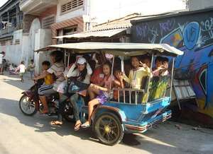 Tiny Toones tuk-tuk returning kids home