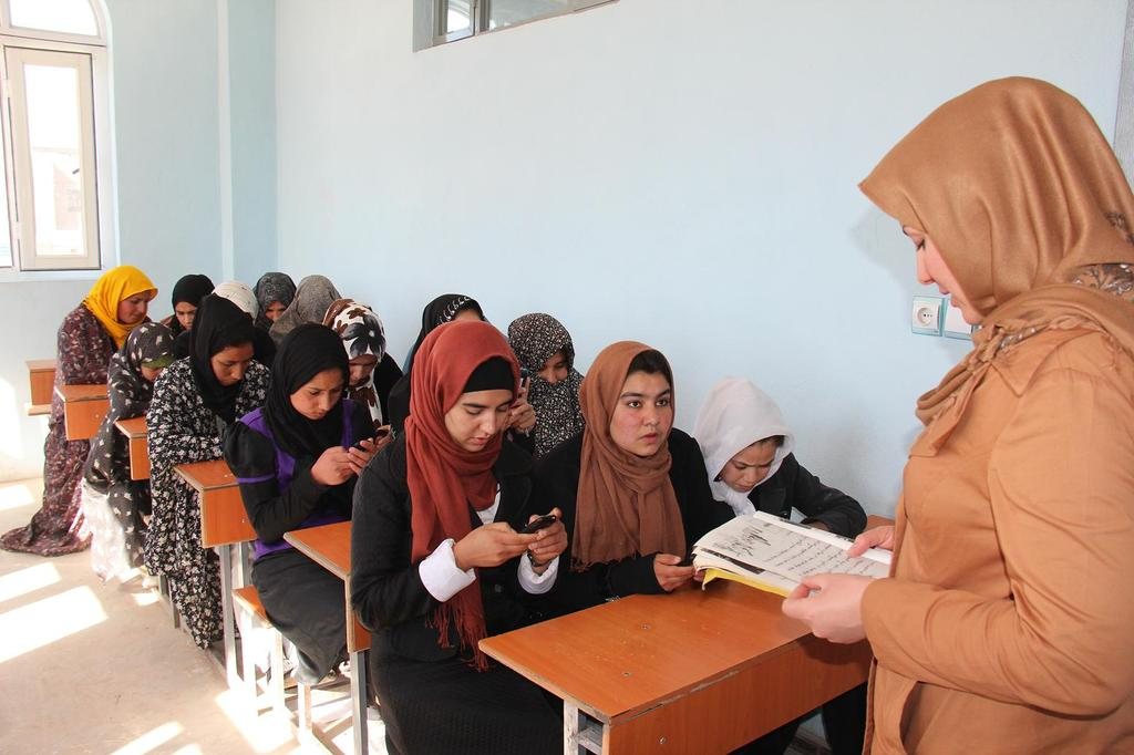 Students in a Mobile Literacy Class
