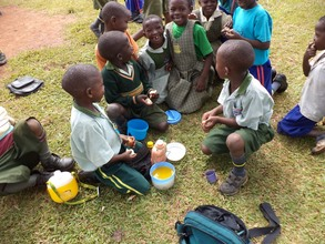 Pupils at break time but no water to wash hands