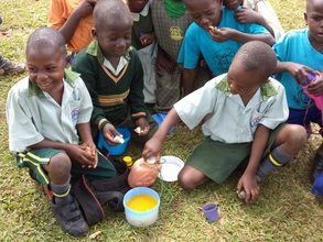 Pupils sharing eats at break but no water to wash