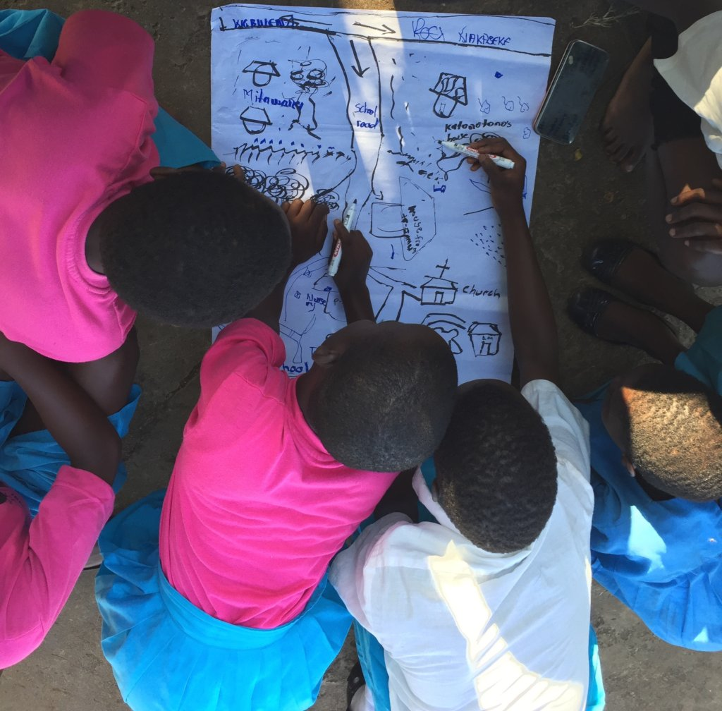 Girls Map Their Community for Safe & Unsafe Spaces