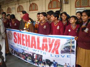 Our children with team for Mumbai Marathon 2014
