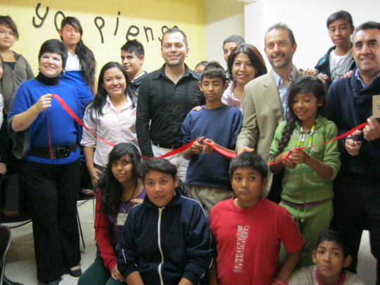Mayama's children&team with Hewlett Packard team