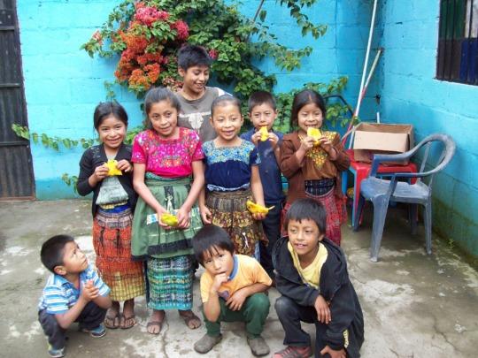 Food & fruit for 1,000 children in Latin America