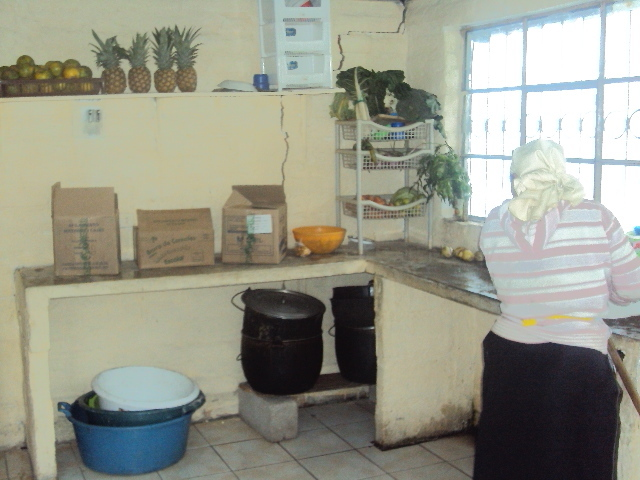 A nice clean kitchen in Ecuador to cook daily food