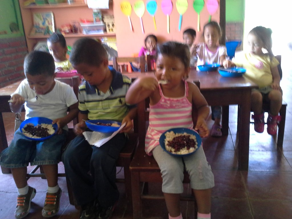 Hot daily lunches in Nicaragua