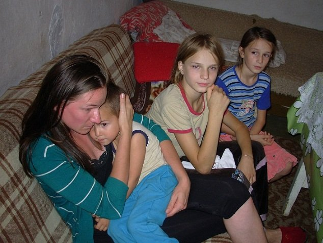 Aleksandra and her children