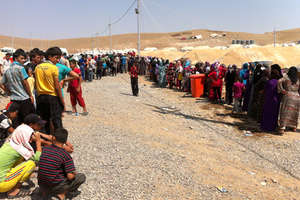 Syrians continue to flee to bordering countries