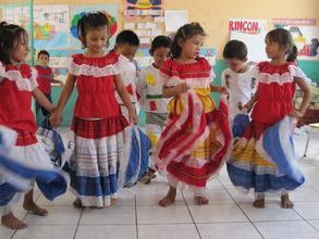 El Presido Daycare dancing