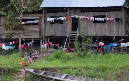 6. Children and clothes at Ampiyacu river house