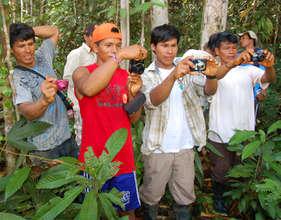 Digital camera workshop in forest for Bora men