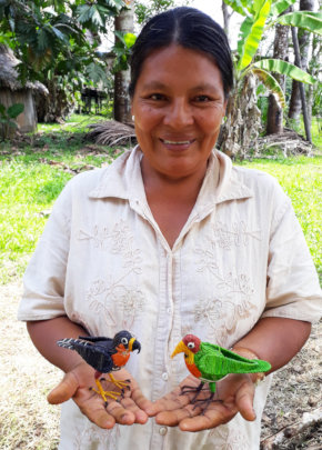 Artisan Liria with 2 birds at Chino workshop
