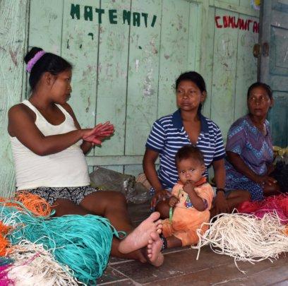 Maijuna artisan mother at Nueva Vida workshop