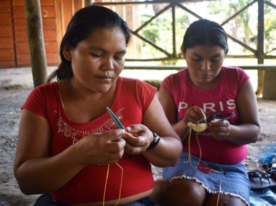 Maijuna artisans at workshop in Sucusari