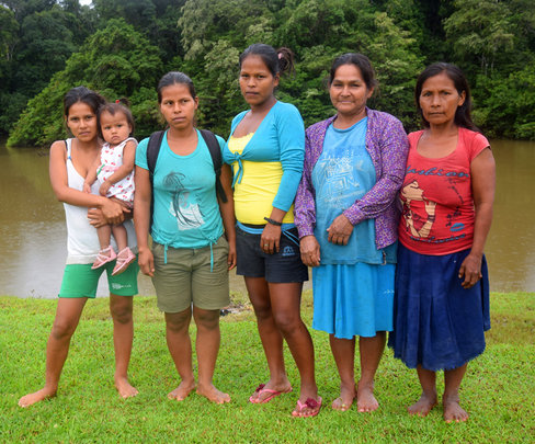 Maijuna artisans of Nueva Vida