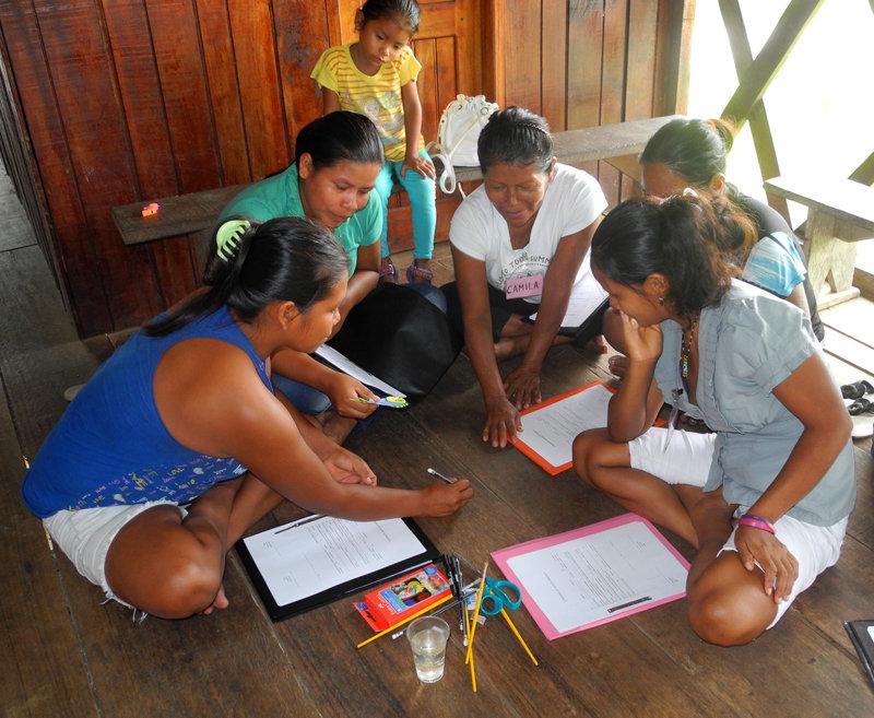 Craft design exercise at Puca Urquillo workshop