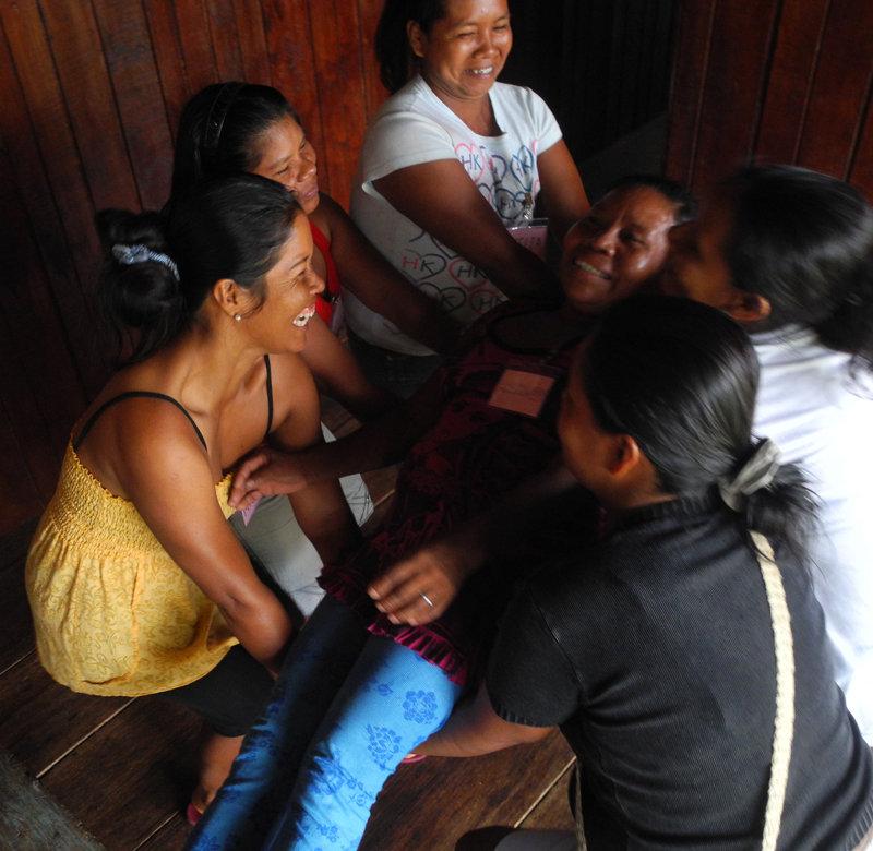Trust lift exercise at Puca Urquillo