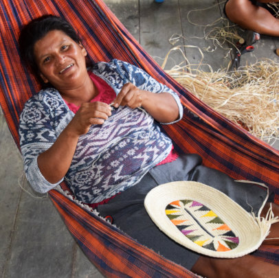 Paquita weaving basket in spare time