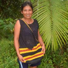Bora artisan Rosa with woven bag/Plowden-CACE
