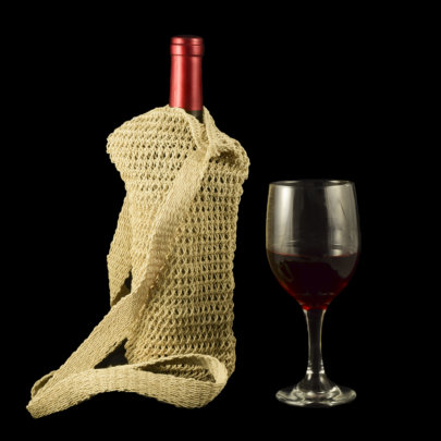 Chambira palm fiber wine cozy made by Bora artisan