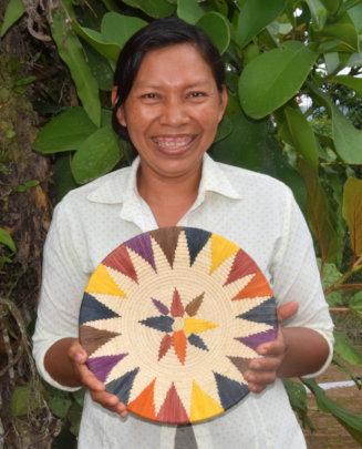 Artisan Yoli from Amazonas with chambira basket