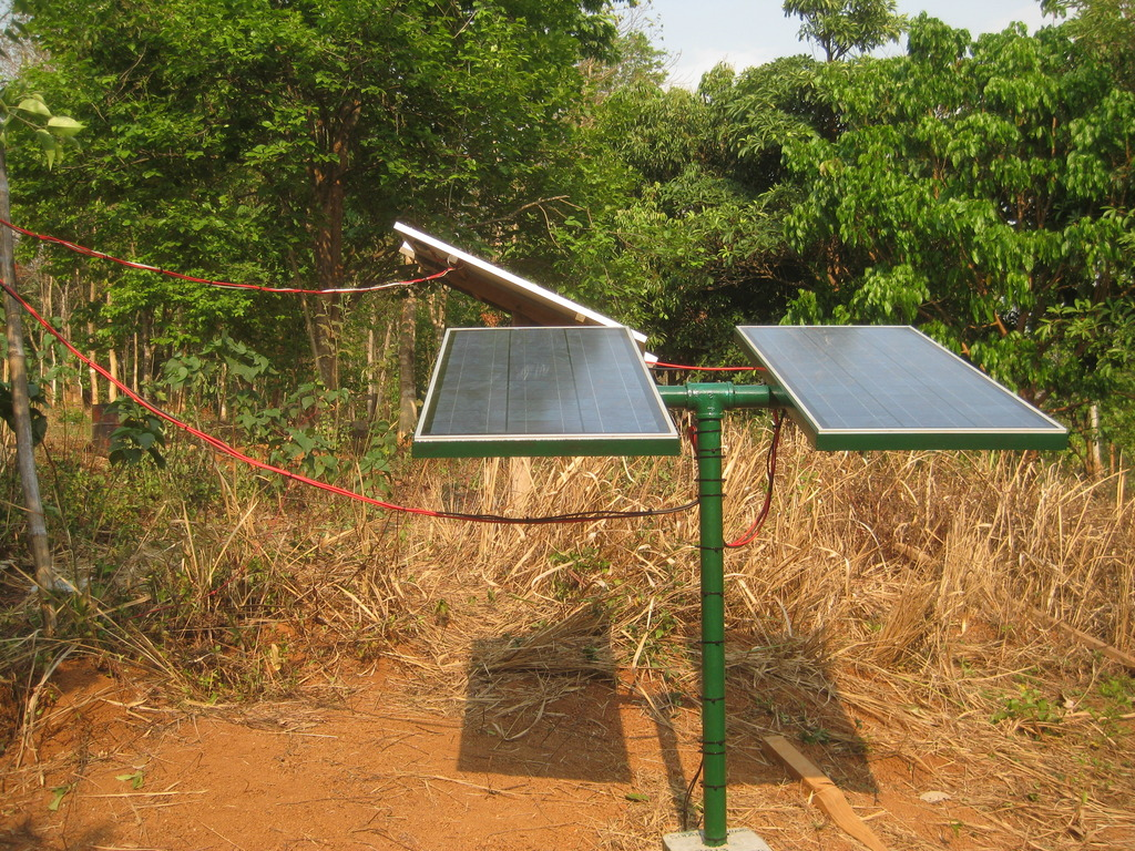 The new manual tracker PV array