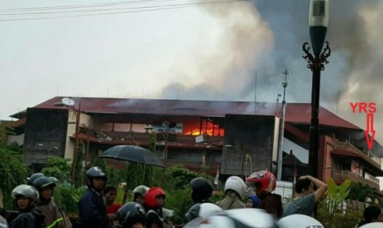 Pasar Badung burned for almost 24 hours
