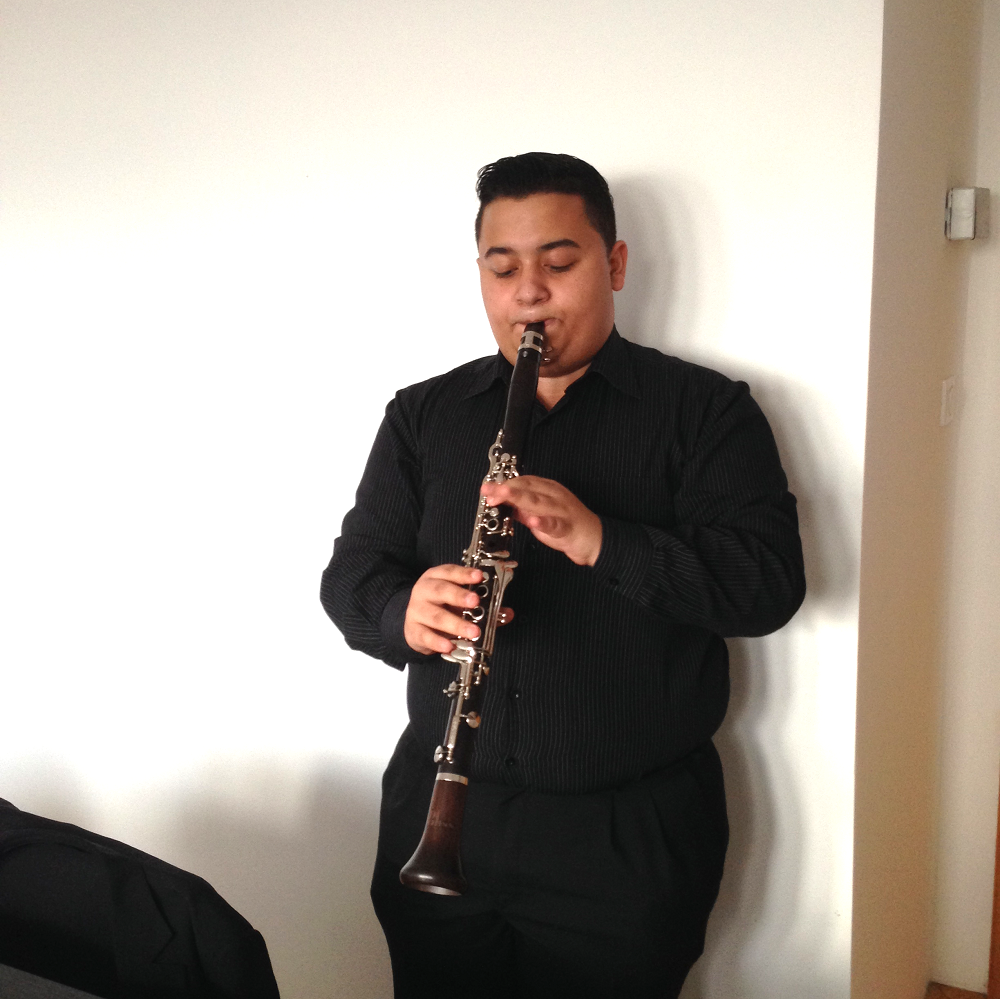 Jarko playing his new clarinet