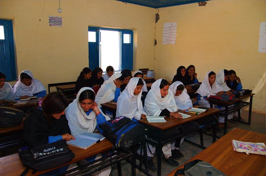 Students at Bugna High School
