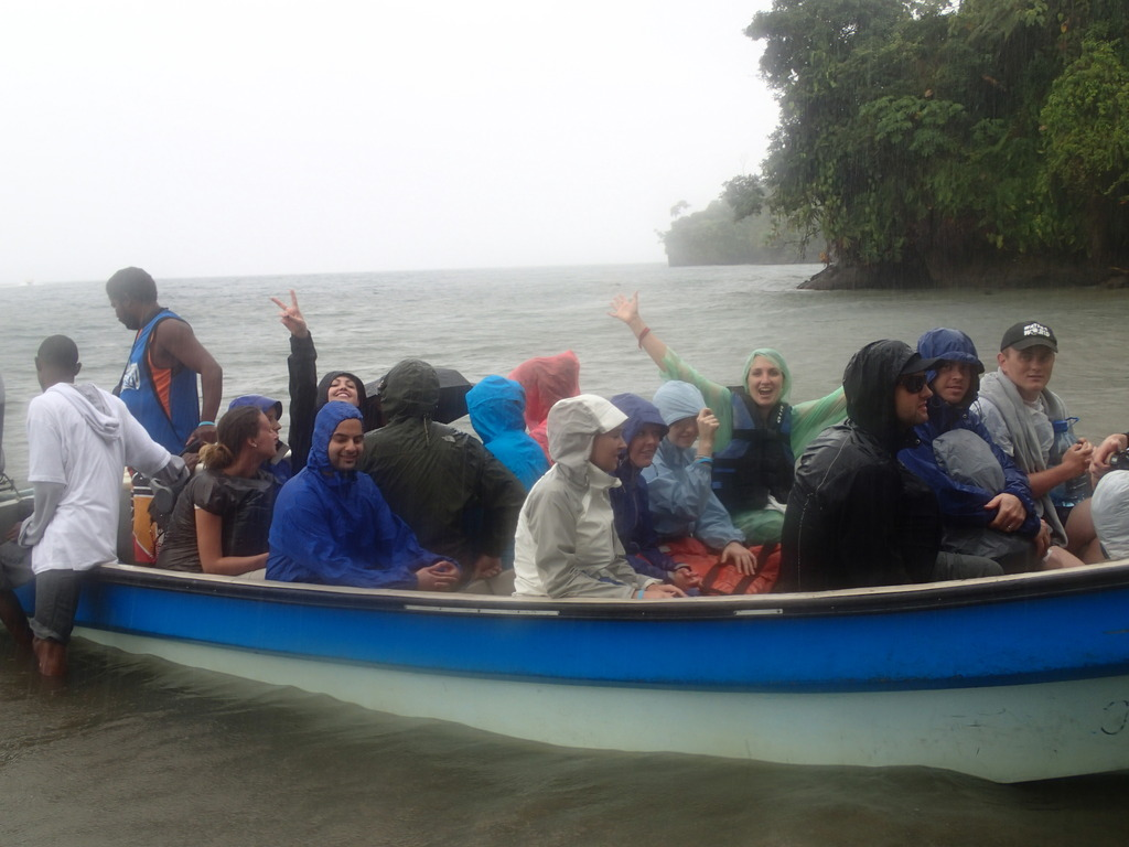 Volunteers arriving at Playa Verde