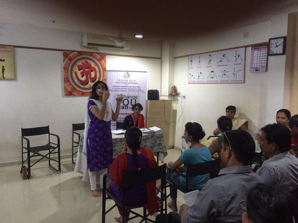 Dr. Vishakha explaining correct method of brushing