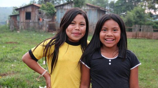 Kangang Girls in the Marrecas Community