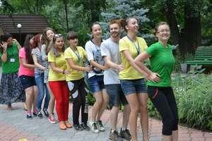 SSL participants in a teambuilding activity
