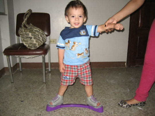 Anthony in Managua trying out the brace.