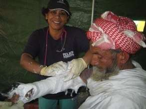RI Doctors Treating a Patient