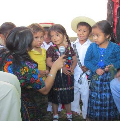Heidi and the children singing a song