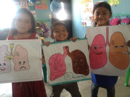 They all drew their lungs and decorated them