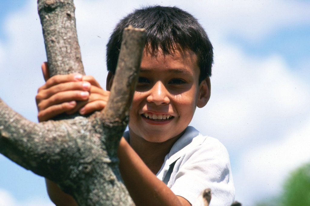 Give poor kids in Salvador & Honduras a chance
