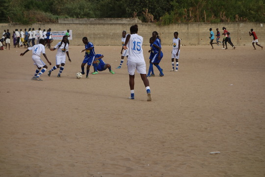 Girls in Thies fight for ball