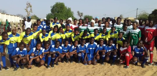 Group photo at a Saturday clinic in Thies!