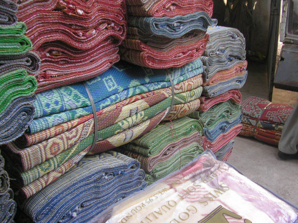 Blankets delivered to 250 families