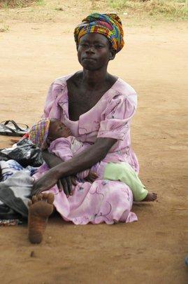 Agwata woman and her child