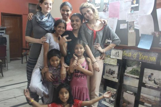 Ballet class for young girls by a French volunteer