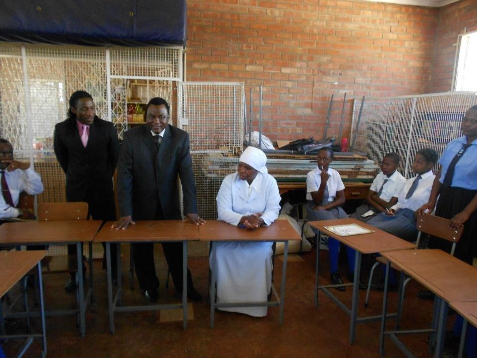 Bulawayo City mayor visiting LUT students