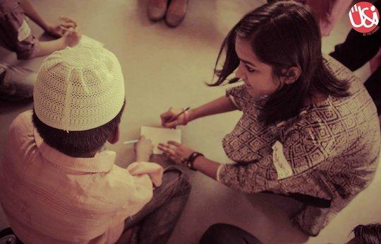 summer camp intern with children 3