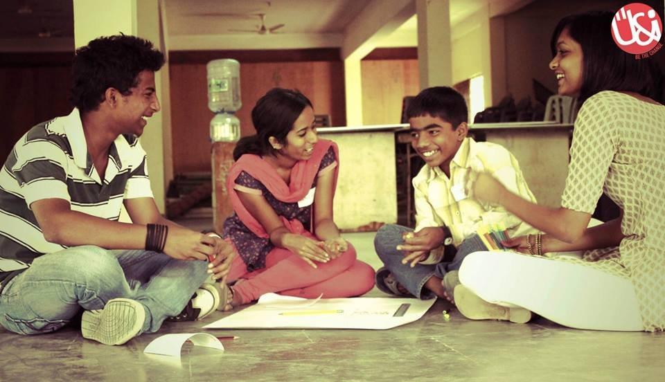 Summer camp intern with children 4