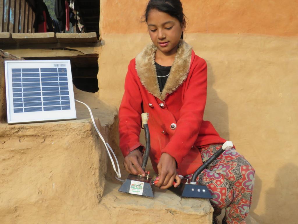 charging of the solar tuki lamp
